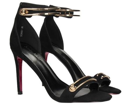 Czarne sandały na szpilce