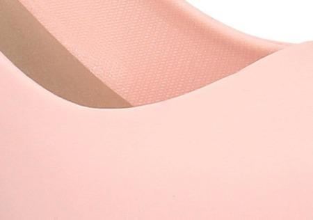 Sandały czółenka pudrowy róż gumowe koturny